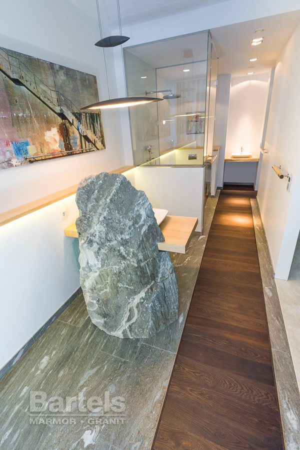 Großartig Badezimmer / WC U2013 Valser Quarzit, Findling Und Bodenplatten.