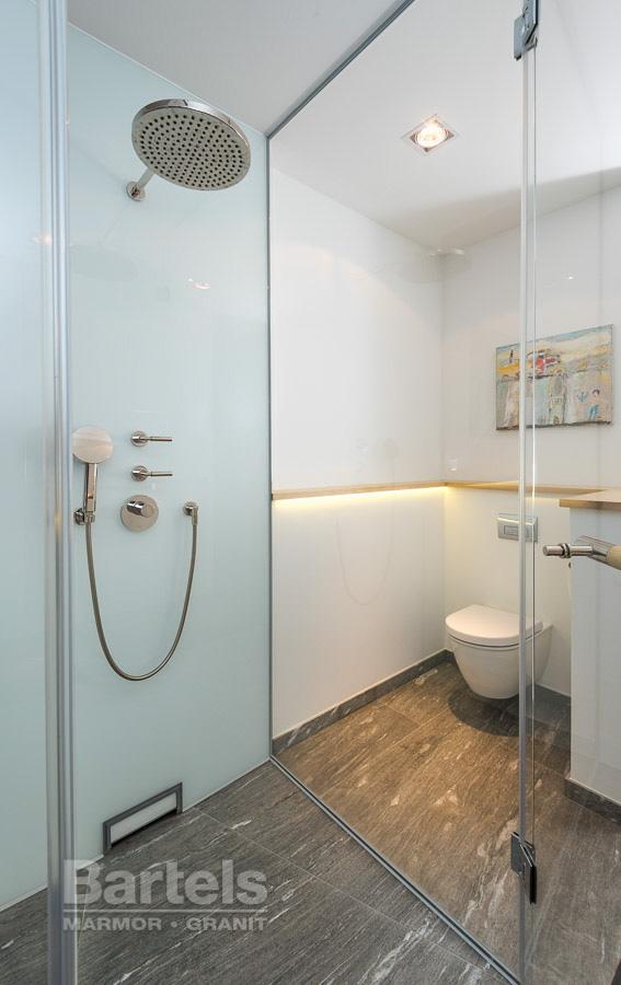 Badezimmer / WC U2013 Valser Quarzit, Dusche Und Toilette.